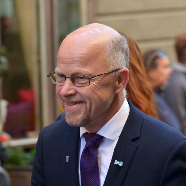 Stig_Henriksson_vänsterpartiet_KU-anmälan_värdlandsavtalet_sverige_sweden_host nation support