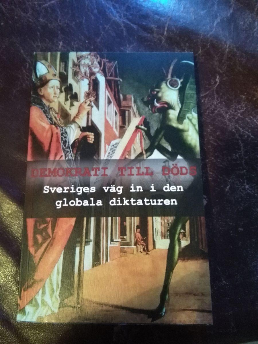 demokrati till döds_kristoffer hell_recension_SVERIGES VÄG in i den globala diktaturen