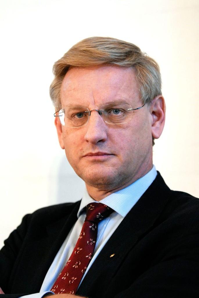 CARL BILDT_värdlandsavtalet_host nation support_karin enström_Nato_USA_war_