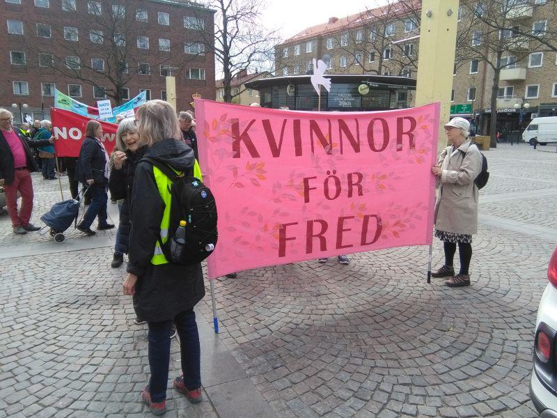 kvinnor för fred_aurora 17_demonstration_gullmarsplan_demonstration_military exercise_sweden_nato_